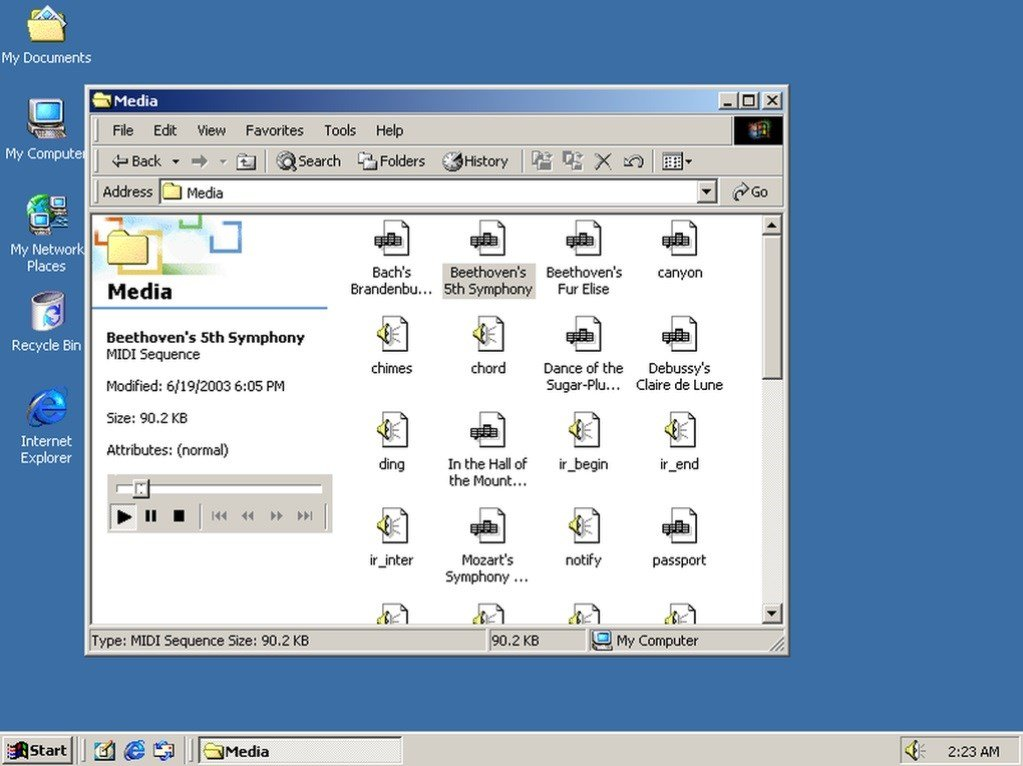 30 Years of Windows in 13 Different Versions - Windows 2000 (2000)