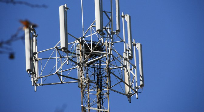 BSNL, MTNL And India Post Received Legal Notice For Bad Network Connection