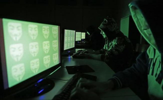 ISIS Hacks More Than 54,000 Twitter Accounts