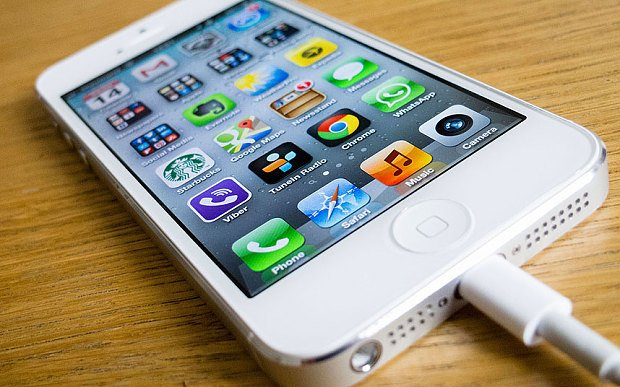 Only Few Days Left to Replace your iPhone 5 Battery for free