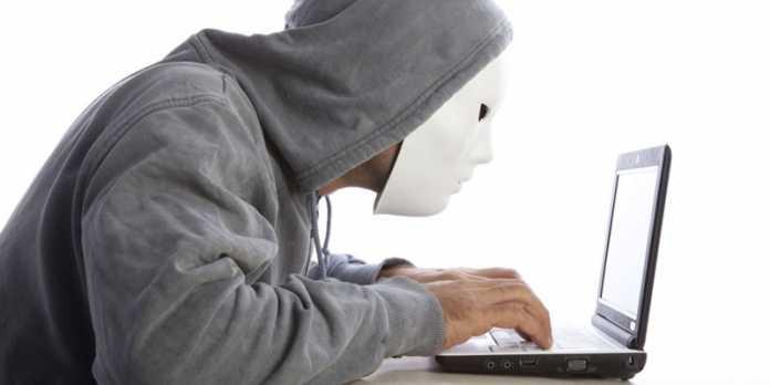 16 Year Old Teen Hacks Digital Distribution Platform, Steam