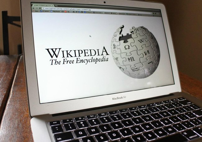 Download Wikipedia To Use it Offline