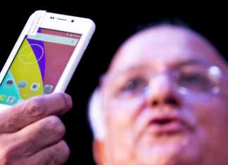 FIR Registered Against The Manufacturers of World's Cheapest Smartphone, Ringing Bells