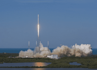 SpaceX Launches Futuristic Pop Up Room, Lands Rocket At Sea