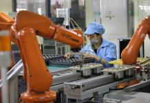iPhone Maker Foxconn Cuts 60,000 Factory Jobs and Replaces Them With Robots