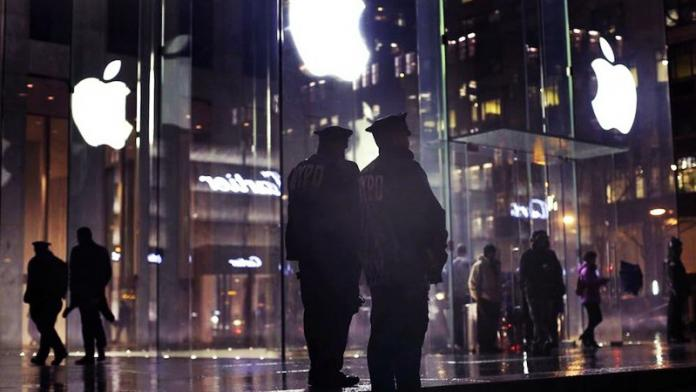 Thieves dressed as Apple employees steal iPhones worth $16,130