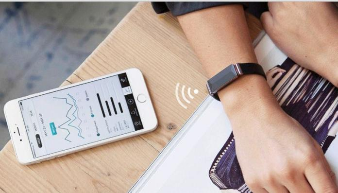 The World's First Tech Bracelet For Your Emotions