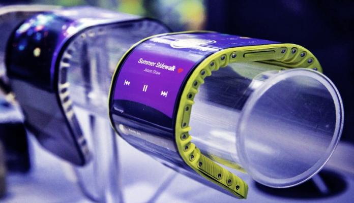 Lenovo Shows Off Bendable Phones
