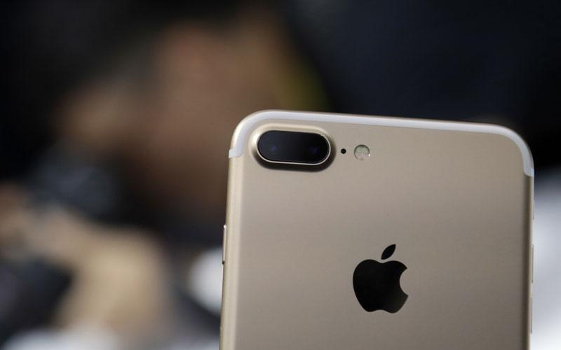 Dual-camera setup on iPhone 7 Plus