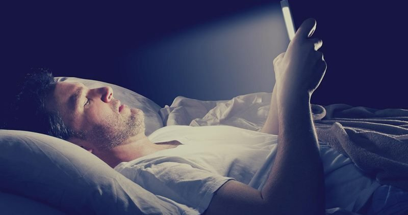 Computer Screen Light is Affecting your Sleep Pattern