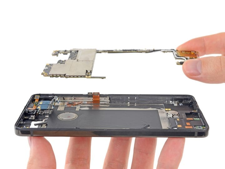 Image 3 - Essential Phone Teardown: The Essential Phone Is Irreparable