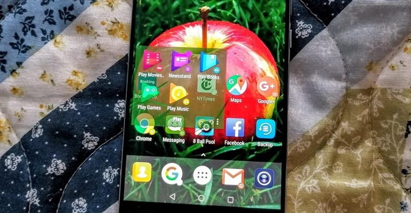 Use QuickTheme to Make Your HomeScreen Match Your Wallpaper