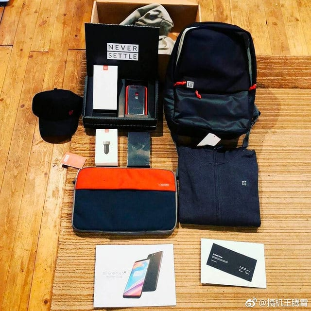 IMG 3 4 - OnePlus 5T Full Body Image Leaked Online