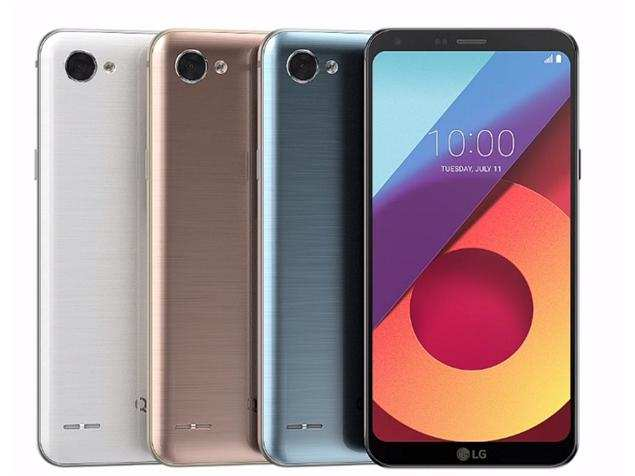 LG Q6 - Top 10 Best Android Phones Under Rs. 10,000 In 2019